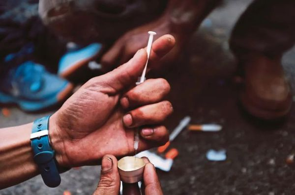лечение наркомании симптомы